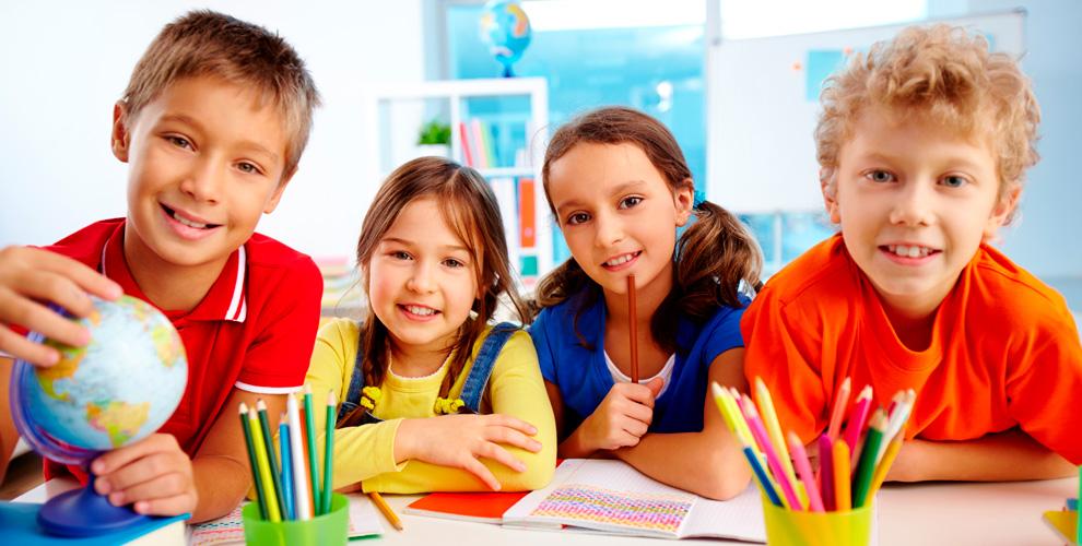 Занятия иностранными языками, математикой, историей, физикой вцентре «Стопроцентов»