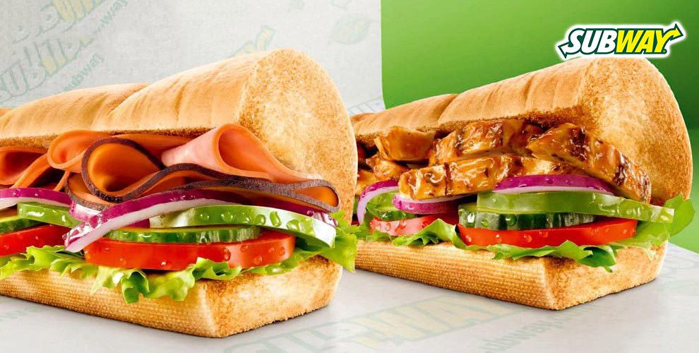 Сэндвичи, роллы, салаты и напитки в ресторане SUBWAY