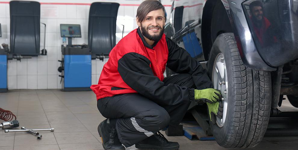 Шиномонтаж колес автомобиля вкомплексе «Меридиан Auto-Spa»