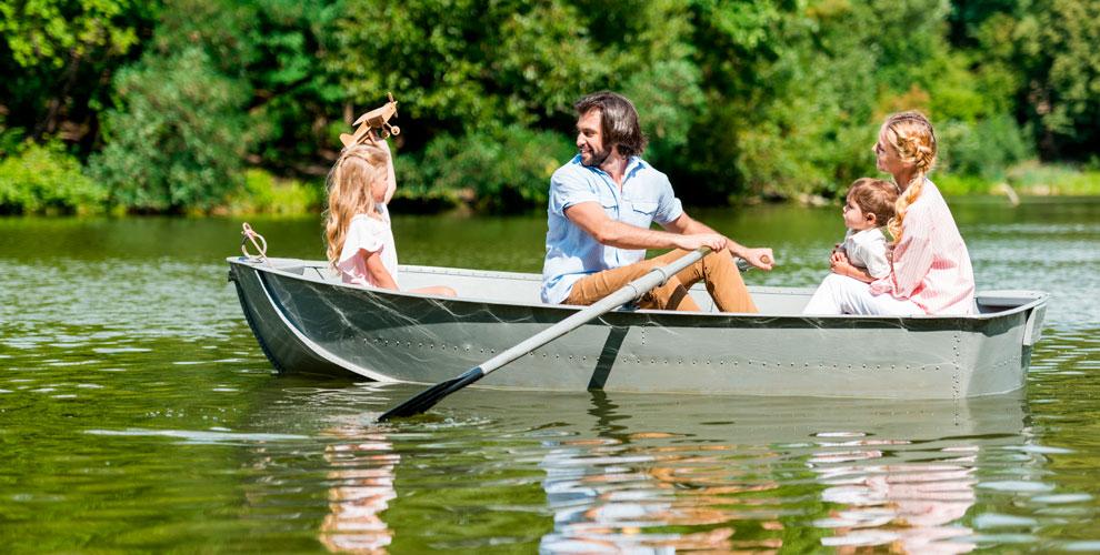 Лодочная станция наГражданской: прокат 4-местной лодки
