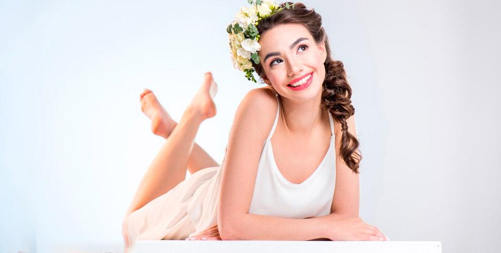 УЗ-чистка, пилинги, восковая депиляция и другое в косметологическом кабинете «Апрель»