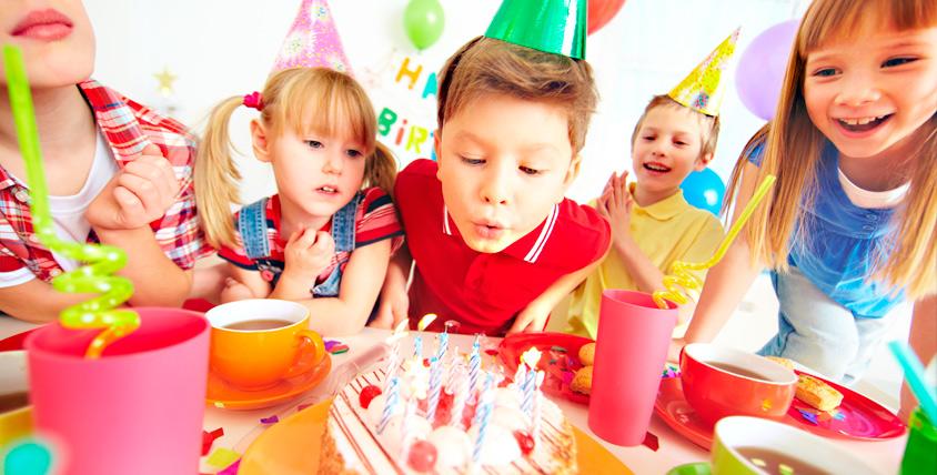 Проведение детского дня рождения, авиасимулятор, аттракцион виртуальной реальности в развлекательном центре START TREK