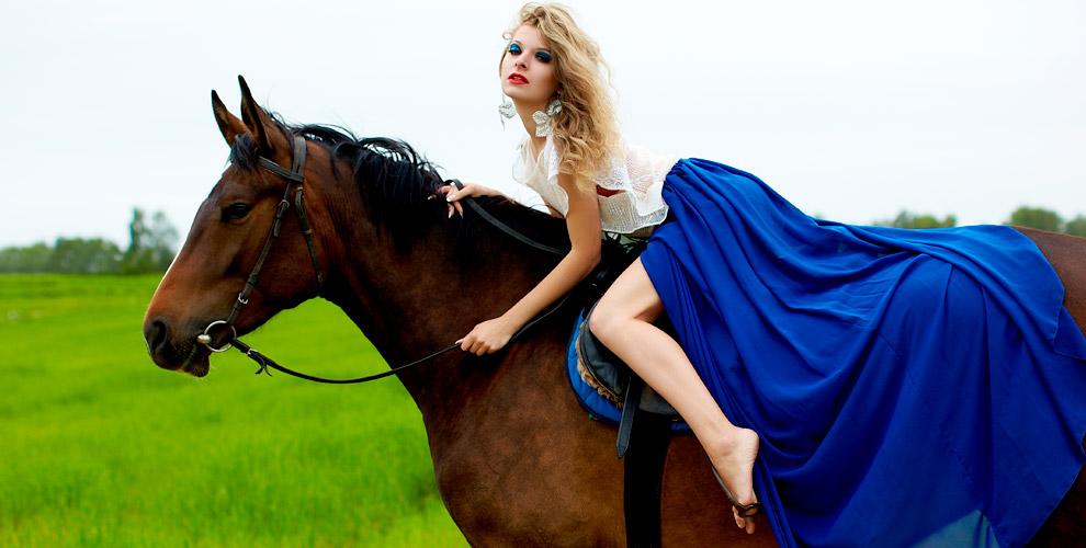 Обучение верховой езде и фотосессия с лошадью от конного клуба «Легенда»