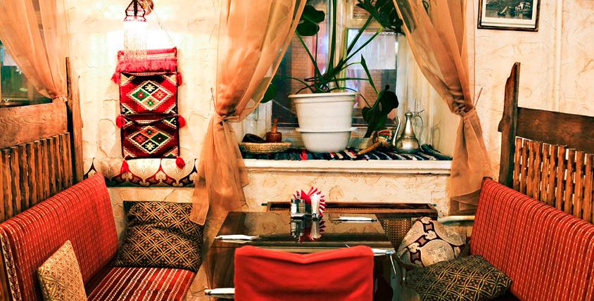 """Национальный салат, другие блюда и напитки в кафе ливанской кухни """"Бейрут"""""""