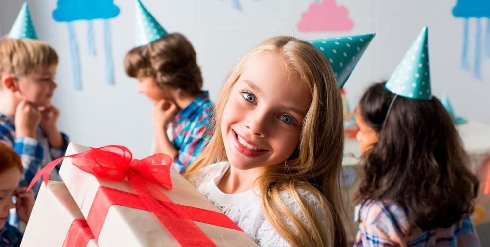 Проведение выездной праздничной программы сперсонажами откомпании «Идея»