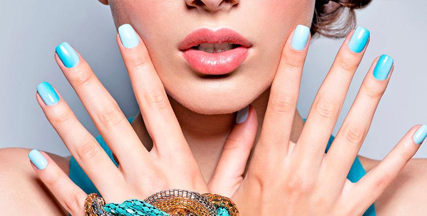 Маникюр, педикюр, покрытие ногтей гель-лаком и не только в студии красоты Black & White. Безупречность ваших ноготков!