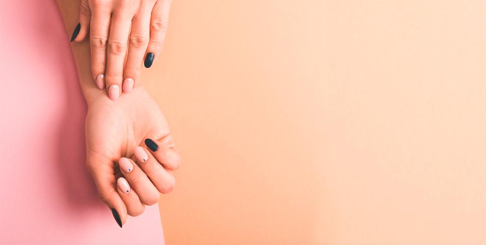 Маникюр иукрепление ногтей отBeauty room byIrina Konkova