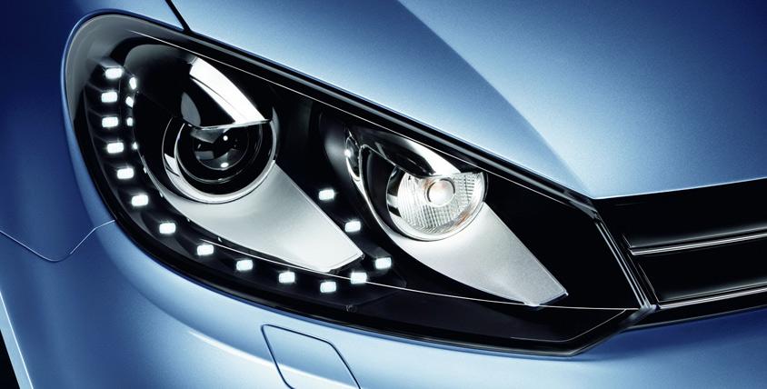 Химчистка салона автомобиля и абразивная полировка фар в автомойке Nano Clean
