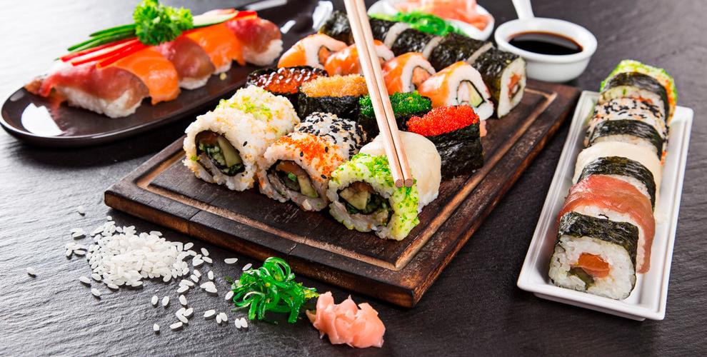 Все меню японской кухни и осетинских пирогов от службы доставки Karamel-sushi.ru