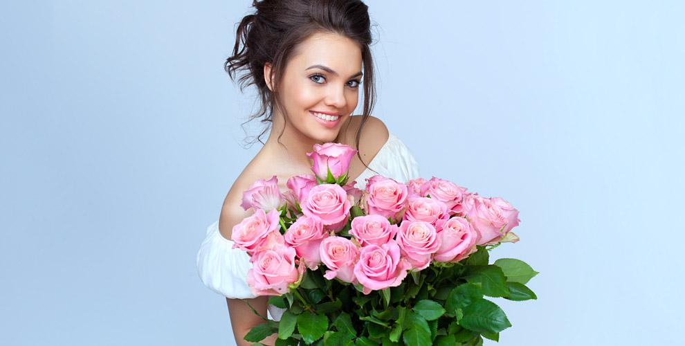 Разнообразные цветы ибукеты изрозвмагазине «Цвет'Ок»