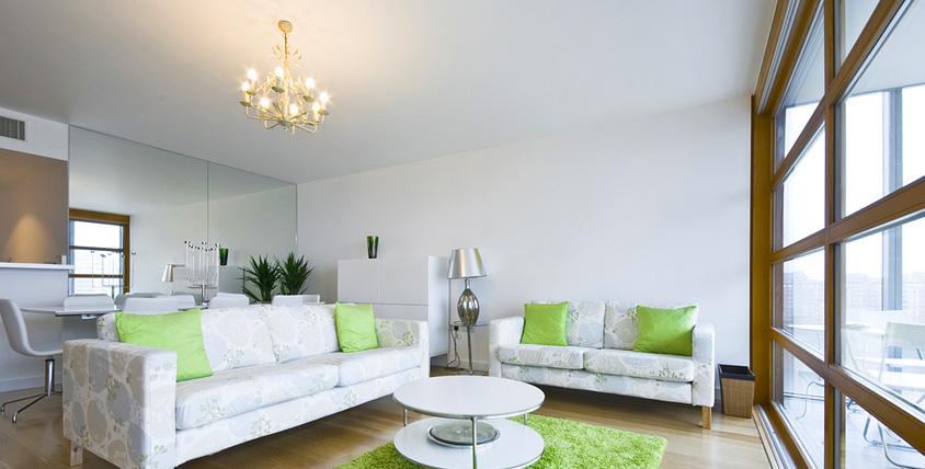 Изготовление и монтаж белого и цветного натяжного потолка любой площади от компании Magnat. Практичное решение для интерьера!
