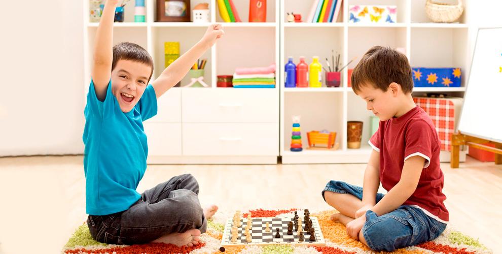 Шахматная школа «Ход Конём» приглашает детей на занятия «Шахматы»