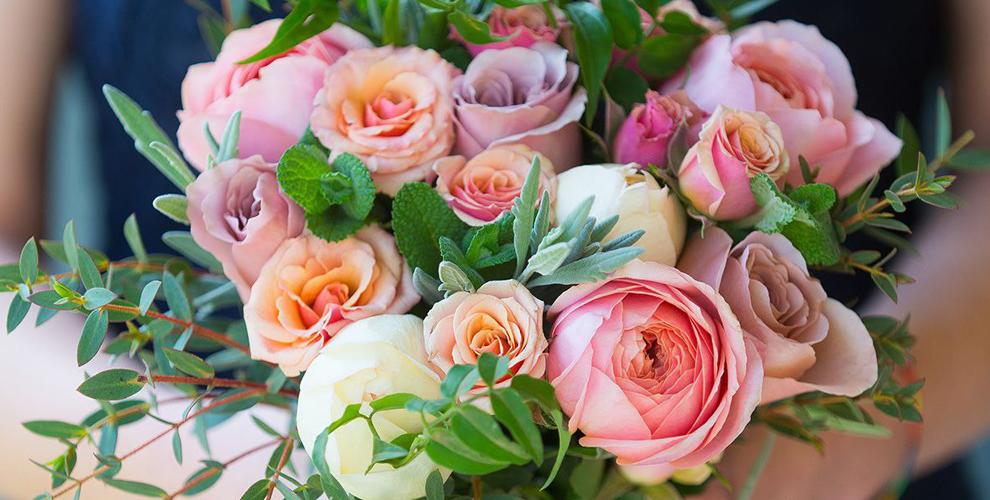 """Розы, лилии, пионы и яркие букеты от компании """"Букетница"""""""
