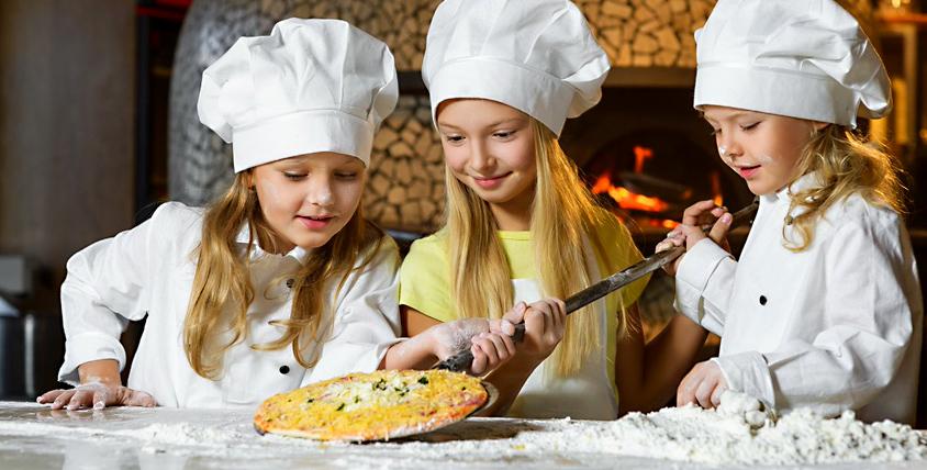 Кулинарный мастер-класс по приготовлению пиццы в пиццерии ROCKY PIZZA