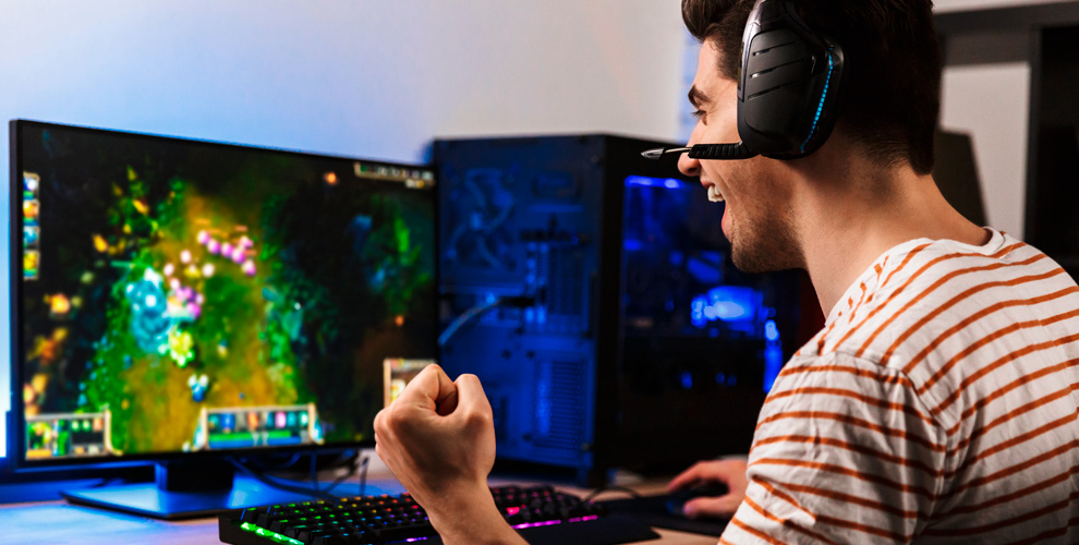 Получение наборов «Нападающий» или«Взащите» вонлайн-игре CROSSOUT