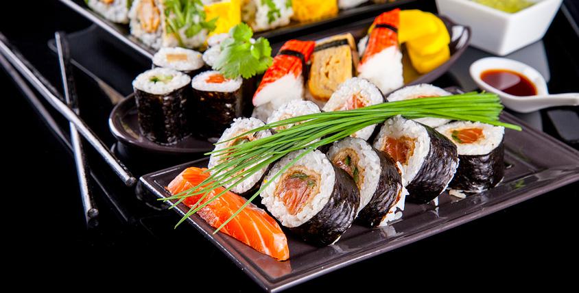 Роллы, суши-сеты, салаты, пицца и многое другое от службы доставки Sushi Bento. У голода нет шансов!