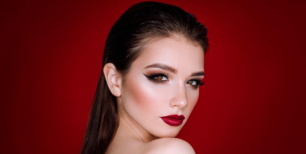 Перманентный макияж бровей и губ в кабинете салона «Евростиль»