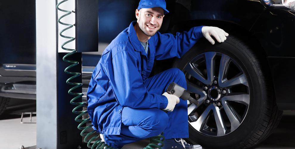 Шиномонтаж «PROТЕКТОР» на Копейском шоссе: разбортовка, балансировка и подкачка колес