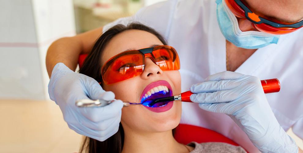 """Лечение кариеса и ультразвуковая чистка зубов в стоматологическом центре """"Перл+"""""""