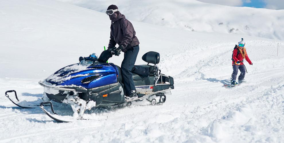 Катание насноуборде, лыжах илиплюшке заснегоходом откомпании «Прокат-Горский.рф»