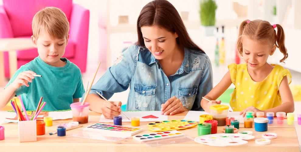 Занятия с логопедом, «Рисование», «Обучение чтению» и другое в центре «Развитие»