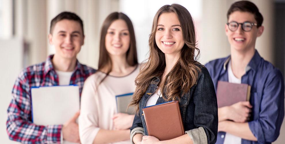 Занятия поанглийскому, французскому ииспанскому языку вшколе Costa Derecha