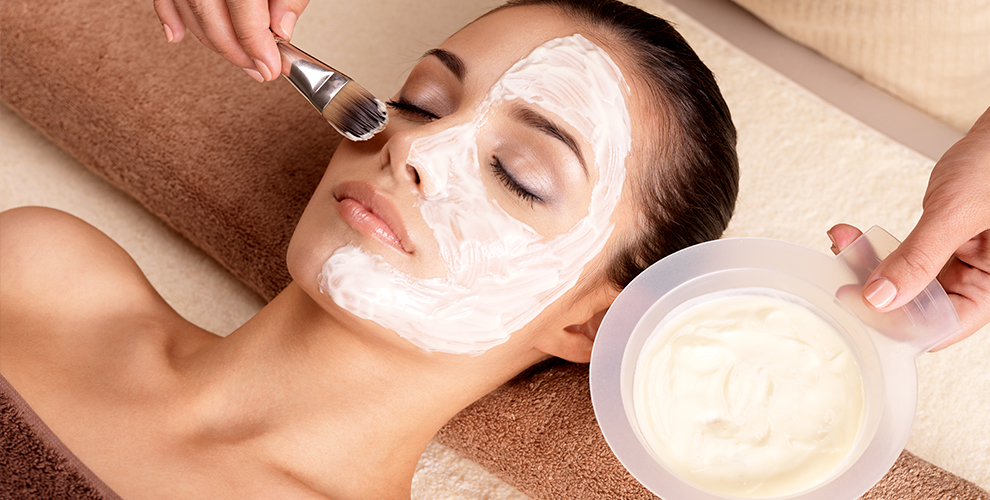 Консультация косметолога, увеличение объёма губ и RF-лифтинг лица в клинике Mon Amie