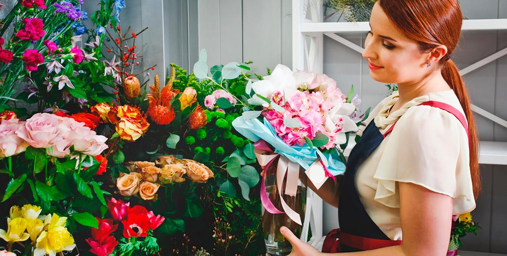 """""""Королевский цветок"""": букеты в шляпной коробке, розы, лилии, хризантемы и не только"""