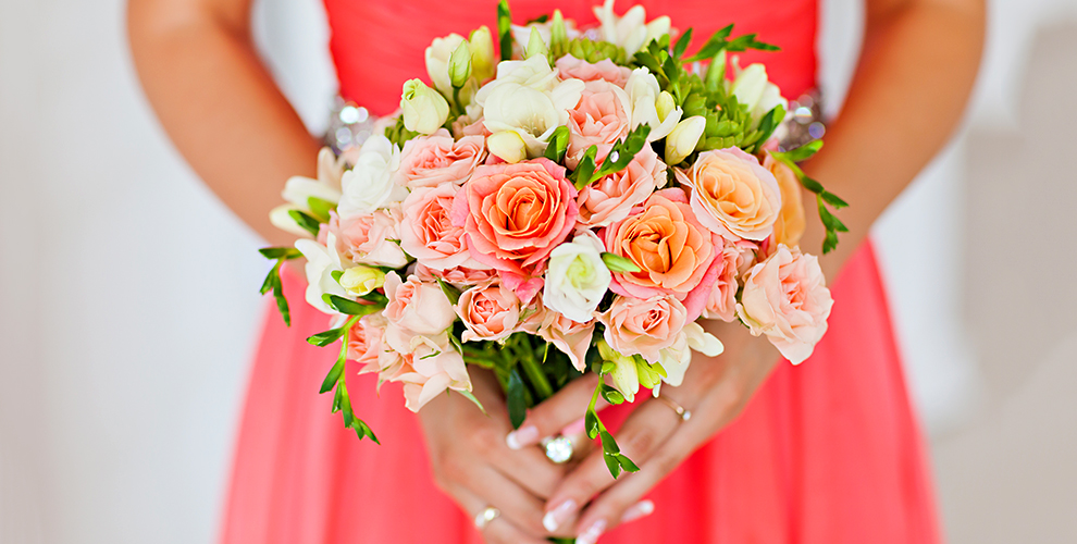 Свадебные букеты, композиции и россыпь цветов от салона «БукетЭль»