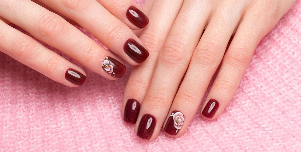 Маникюр, педикюр, наращивание ногтей, покрытие гель-лаком встудии Sakura
