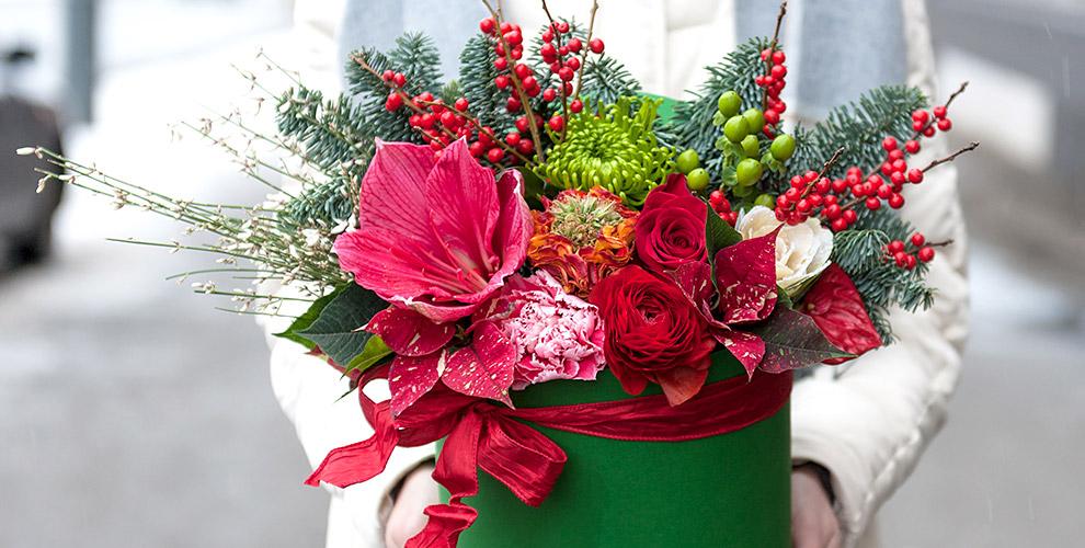 Букеты, композиции из цветов в корзине или шляпной коробке от мастерской VERBA