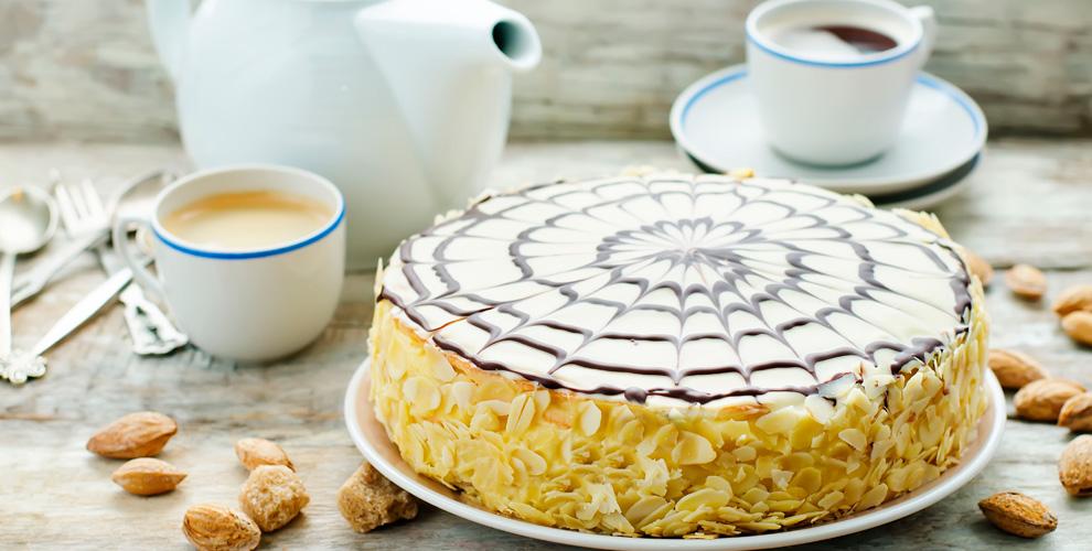 Разнообразное меню тортов в пекарне «БулоШная»