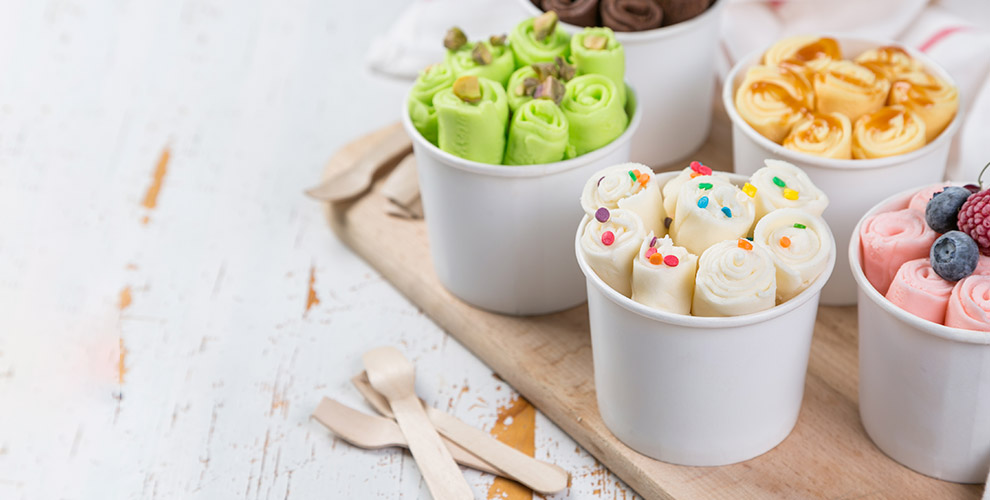 Жареное мороженое, молочные коктейли илимонадоткомпании Holla iceroll