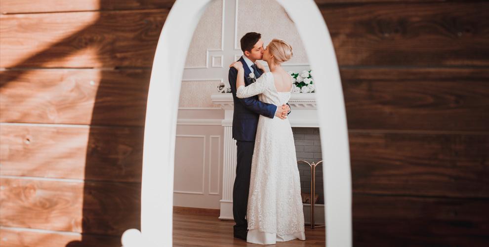 Свадебная, студийная илипрогулочная фотосъемка иаренда студии откомпании PROSVET