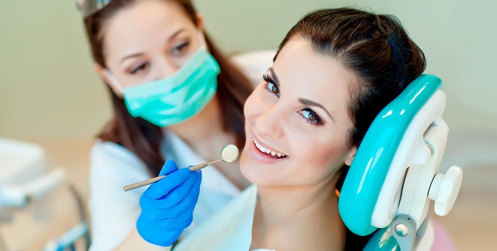 УЗ-чистка зубов, AirFlow, покрытие фторлаком вклинике «Новое время»