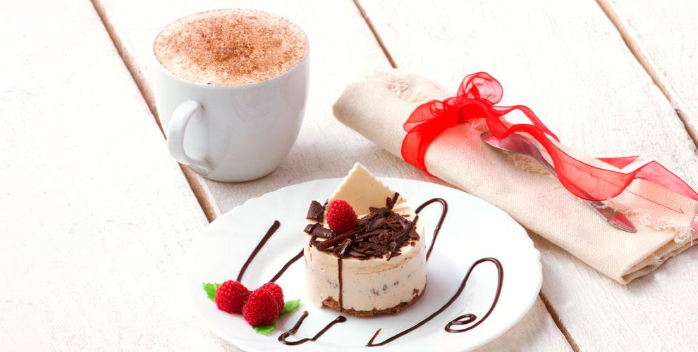 Кофе, пирожное имороженое вкофейне-кондитерской Vanilla