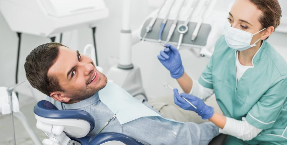 Лечение кариеса ипрофессиональная гигиена полости ртавстоматологии «Лакшми»