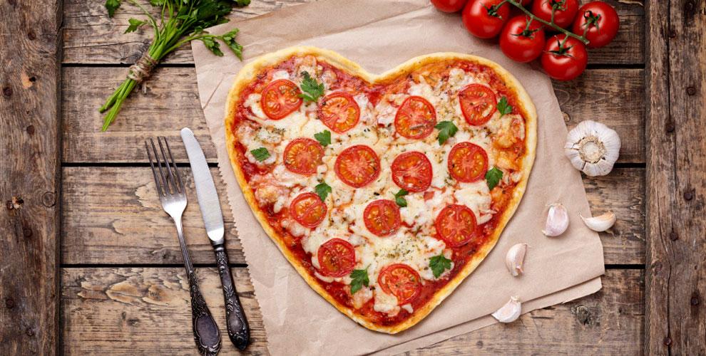 Меню пиццы и напитки от службы доставки «Мамма Пицца»