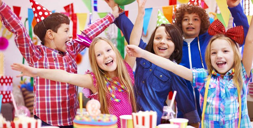 """Проведение праздничных мероприятий для детей с конкурсами, песнями, играми и сюрпризами от театра """"Золотая рыбка"""""""