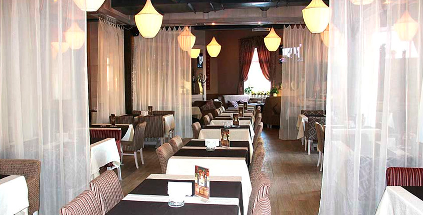 """Стейк из семги, жюльен грибной, утиная грудка с апельсиновым соусом и другие аппетитные блюда в сети ресторанов """"Чайхана Fusion Кафе"""""""