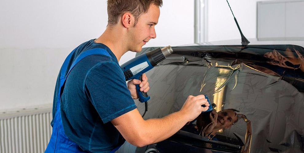 Тонирование стекол, бронирование фар, защита от сколов в автосервисе VIP Style