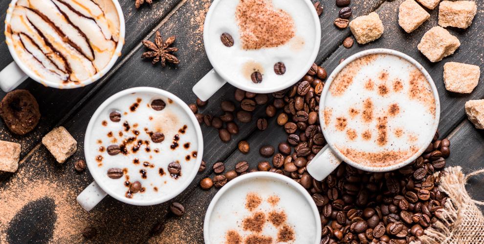 Ассортимент зернового, молотого кофе и весового чая в чайно-кофейной компании «Аромэ»