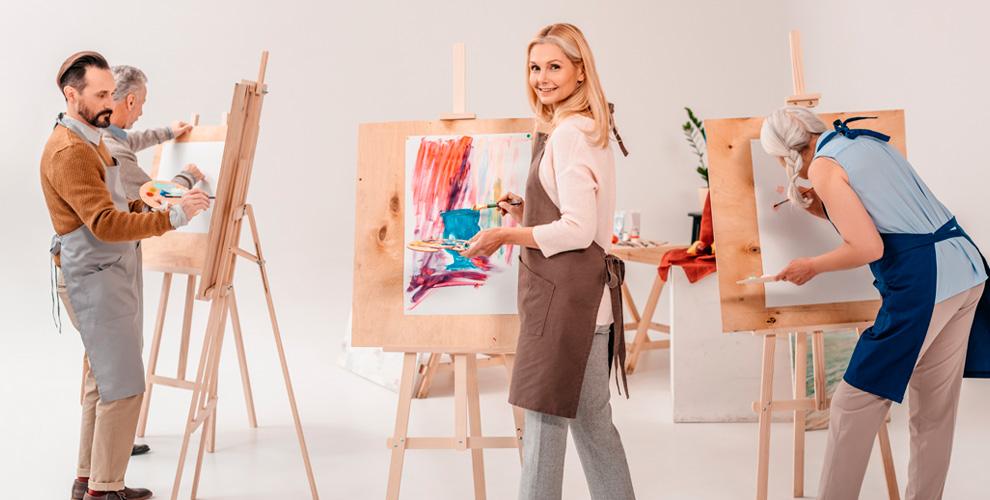 Занятия по масляной живописи и не только в студии «Голубая Ворона»
