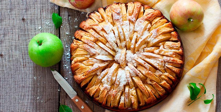 """Торты, слоёные, сдобные, сладкие и осетинские пироги, окрошка за 19 рублей и печенье """"Курабье"""" в кулинарии """"Смак"""""""