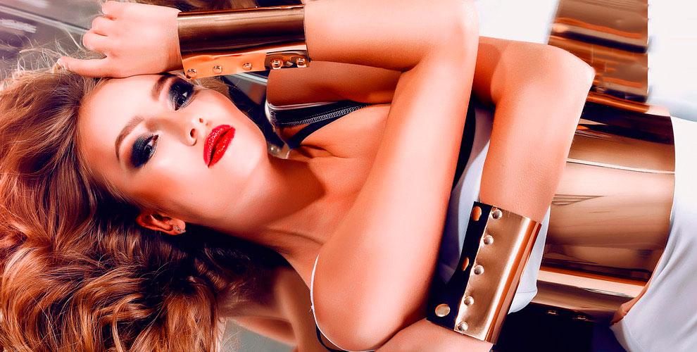 Ногтевой сервис, стрижки, окрашивание бровей, пилинг лица и другое в салоне Selena