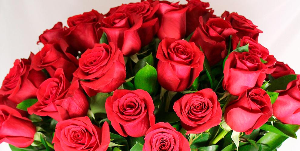 Изысканные цветы, букеты в крафтовой бумаге в сети салонов Florentin