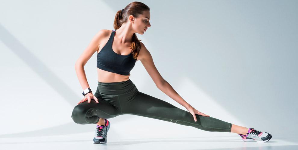Занятия стретчингом, фитнесом встудии шпагата ирастяжки Elastica