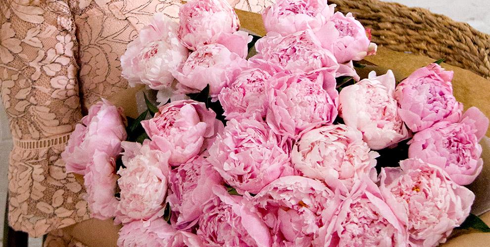 """Пионы Premium, розы, лилии и тюльпаны в салоне цветов """"Семицветик"""""""