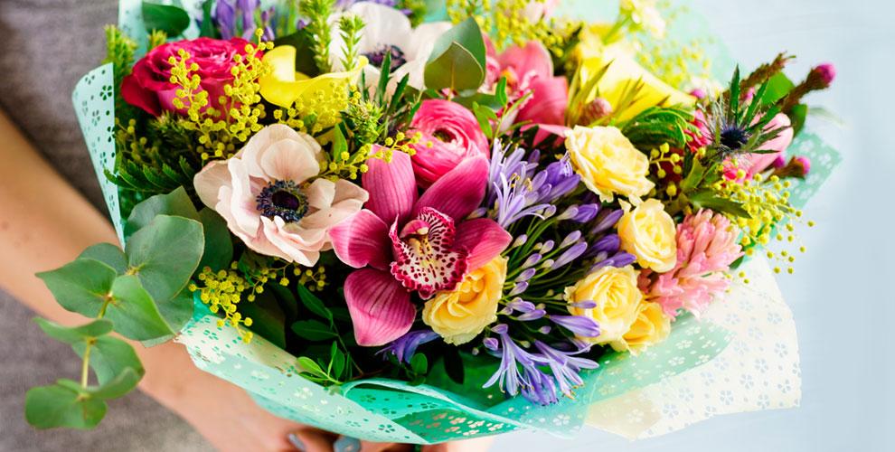 Цветы, букеты и композиции в салоне «Фонтан цветов»