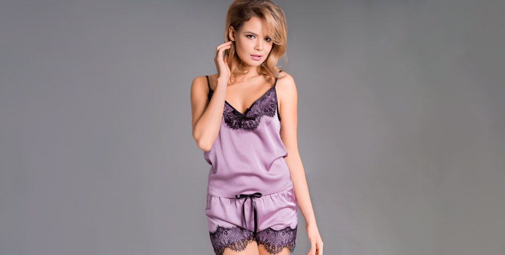 Пижамы, футболки икорсеты всалоне DIMANCHE